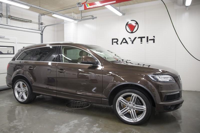 Brown Audi Q7 Rayth Autopesula